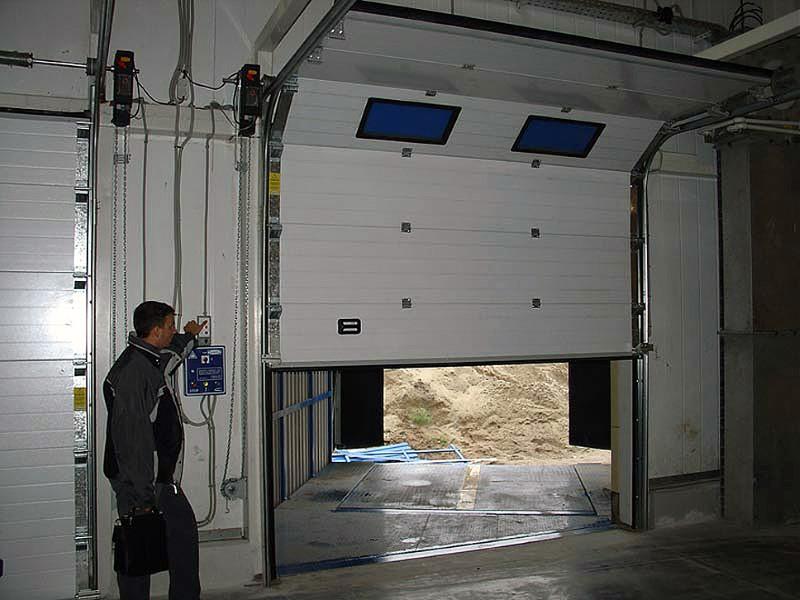 подъемные ворота для тентованных автомобилей установка
