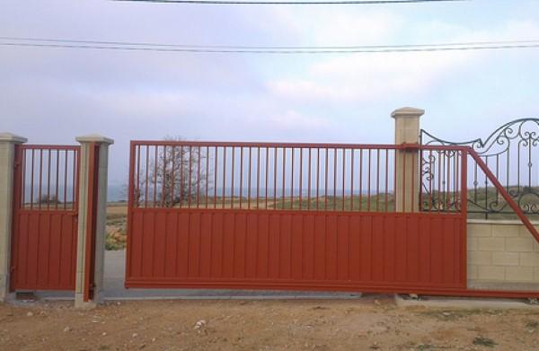 Откатные ворота из труб ворота