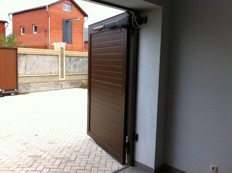 Ворота на гараж распашные